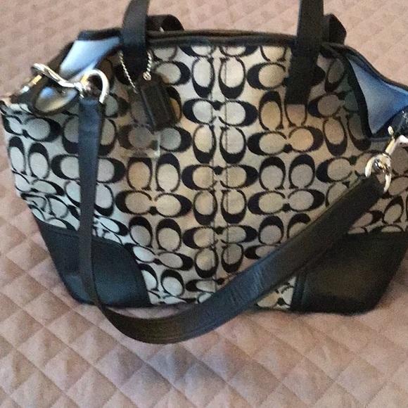 Coach Handbags - Coach Shopper